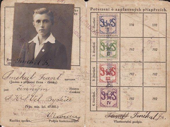 Registrační průkaz Františka Smékala, jednoho z nejlepších hráčů Velké Bystřice ve 20. létech minulého století.